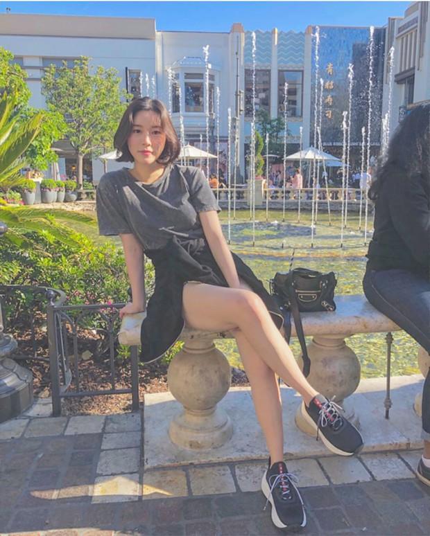 Con gái thứ 2 nhà Mama Chuê bỗng nổi như cồn nhờ loạt ảnh khoe vòng 1 quá xinh, soi Instagram còn ngỡ ngàng hơn - Ảnh 15.