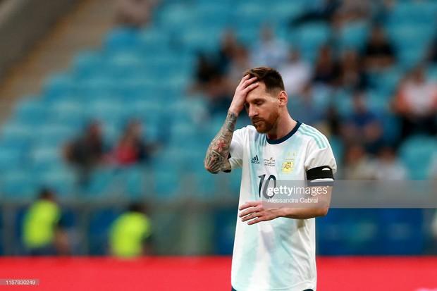 Giải bóng đá Nam Mỹ: Đánh bại ĐKVĐ châu Á, Lionel Messi và đồng đội vượt cửa tử tiến vào tứ kết - Ảnh 1.