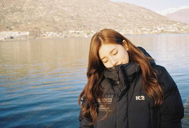 Sao Kpop chuyên chụp hình lỗi và tạo dáng hiểu chết liền khi đi du lịch chẳng ai thắng được tình đầu quốc dân Suzy - Ảnh 16.