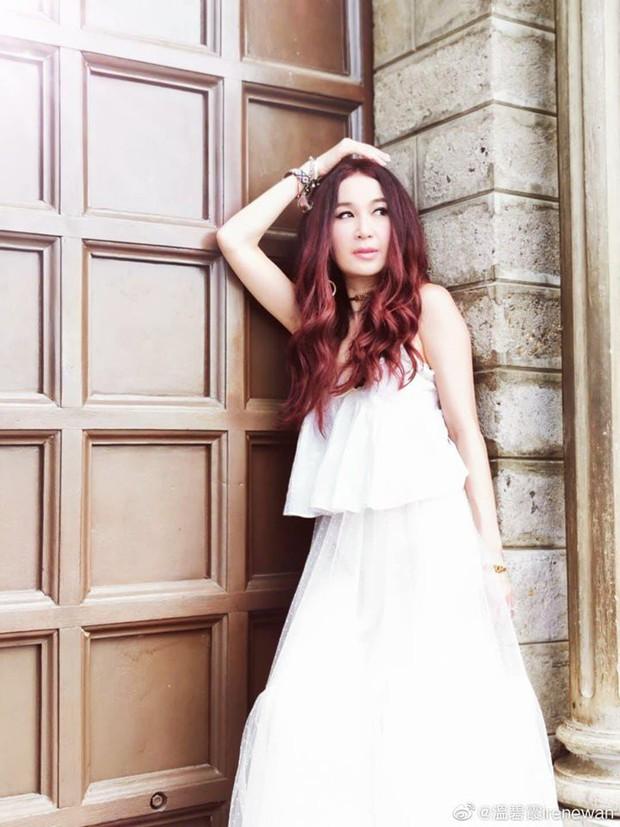 Đát Kỷ Ôn Bích Hà khoe ảnh du lịch Nha Trang, dân tình chỉ dán mắt vào body U55 mà sexy như gái đôi mươi của bà - Ảnh 5.