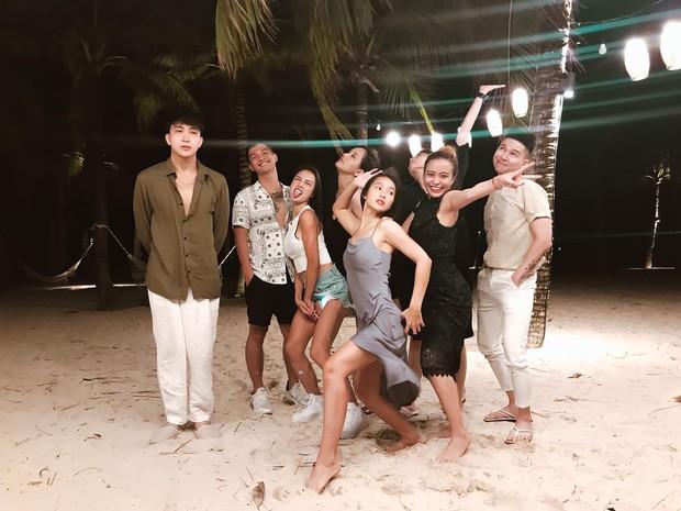 """Thêm một hội bạn thân """"lầy lội"""" của Vbiz: Quy tụ từ Hoa hậu đến ca sĩ, diễn viên đình đám, toàn """"mầm non giải trí"""" đủ khiến khán giả cười lăn lộn - Ảnh 2."""