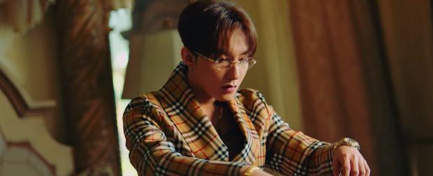 Sơn Tùng M-TP tung teaser đầu tiên của MV Hãy Trao Cho Anh, nhìn dàn mỹ nhân thôi đã thấy nóng bỏng mắt - Ảnh 2.