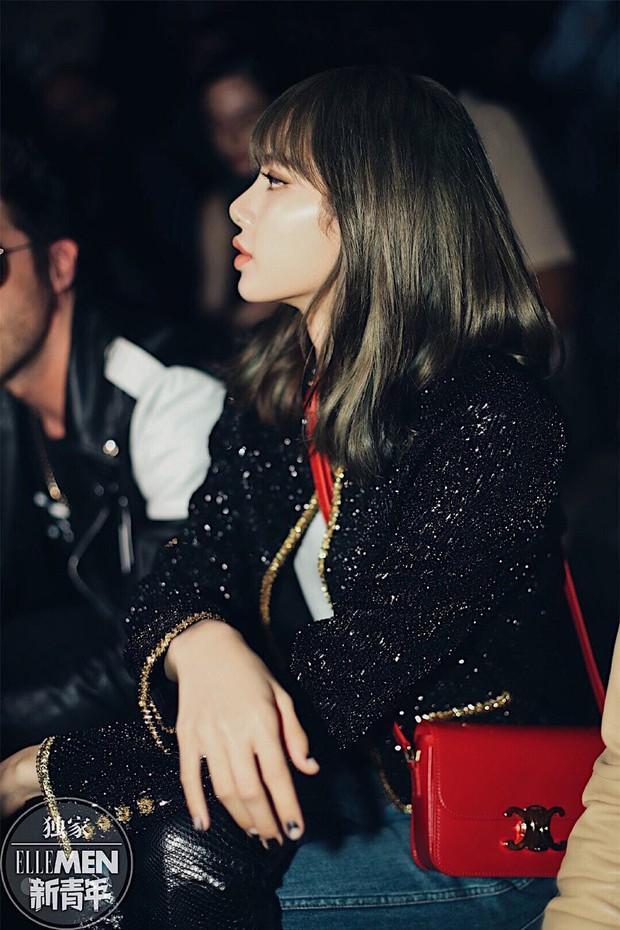 Muốn ná thở với bộ ảnh đẹp của Lisa tại sự kiện Paris: Lướt qua ống kính là thành bìa tạp chí, đôi chân mới khó tin - Ảnh 14.