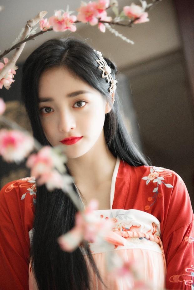 Hết thiếu gia giàu nhất Trung Quốc, mỹ nhân Kpop lại dính tin hẹn hò mỹ nam hot nhất Cbiz vì bằng chứng khó đỡ - Ảnh 3.