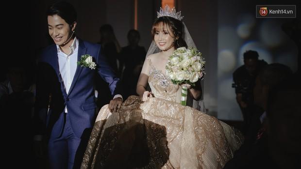 Cưới được vợ xinh, Cris Phan còn khiến dân tình ăn bánh gato đã đời với câu nói: Việt Nam 95 triệu người, anh tìm được em là một kỳ tích - Ảnh 6.