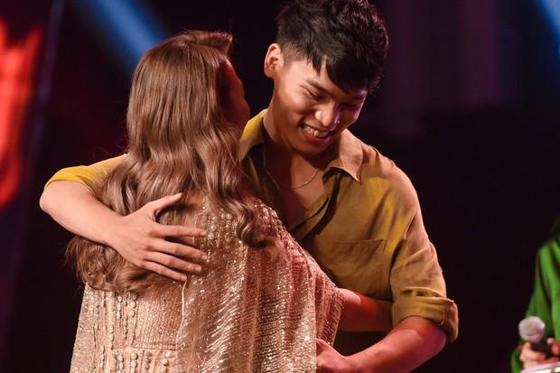 Giọng hát Việt: Bích Tuyết bất ngờ khoe khả năng hát tiếng Pháp, Bo Bắp chiến thắng nhưng vẫn bị giám khảo chê - Ảnh 6.