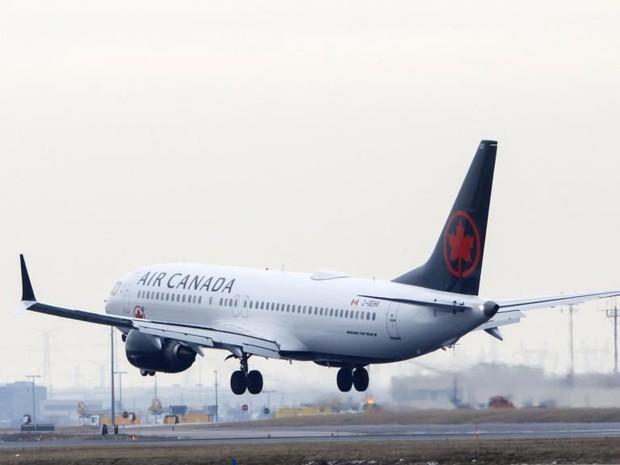 Hành khách tỉnh dậy giữa đêm tối và máy bay không bóng người: Hãng hàng không lên tiếng - Ảnh 1.