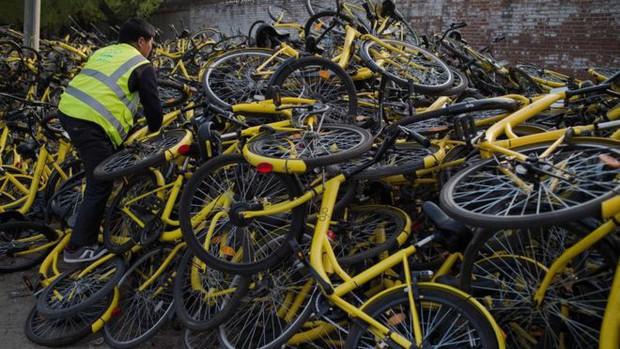 Câu chuyện buồn của Ofo, từ một startup trị giá 2 tỷ USD bây giờ chẳng còn lại gì ngoài những đống xe đạp hỏng chất cao như núi - Ảnh 3.