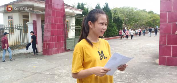 Gần 900.000 thí sinh làm thủ tục dự thi THPT quốc gia 2019: Dàn nữ sinh lớp 12 chiếm spotlight vì quá xinh xắn - Ảnh 30.