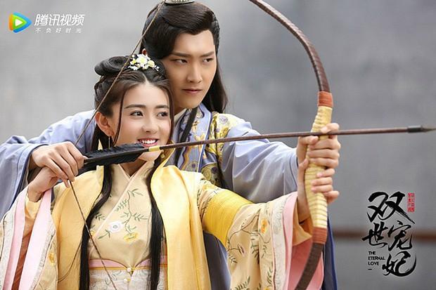 Cặp đôi xuyên không như đi chợ Lương Khiết và Hình Chiêu Lâm nên duyên, xứ Trung lại bày trò ăn vạ remake? - Ảnh 1.