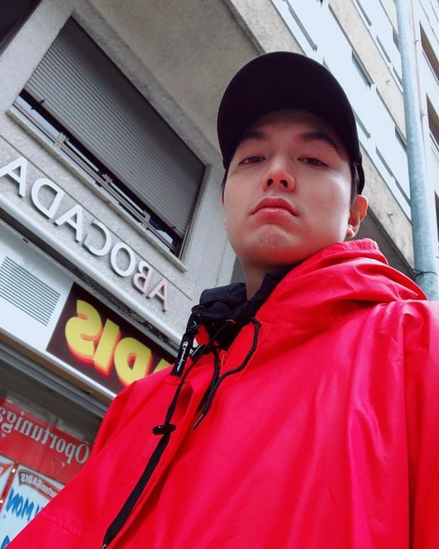 """Ngắm loạt ảnh đi du lịch từ sau xuất ngũ của Lee Min Ho, fan phát hiện ra anh chàng là người khá """"dễ dãi"""" vì những điểm này - Ảnh 16."""