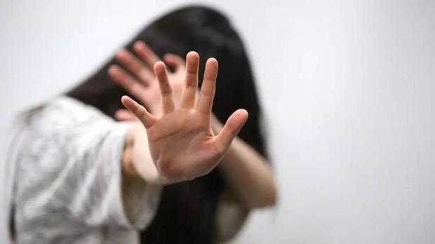 Câu chuyện khó tin: Cụ ông 70 tuổi quấy rối tình dục liên tiếp 7 bé gái trong vòng 1 tiếng đồng hồ, bài học cảnh báo cho cha mẹ thời nay - Ảnh 1.