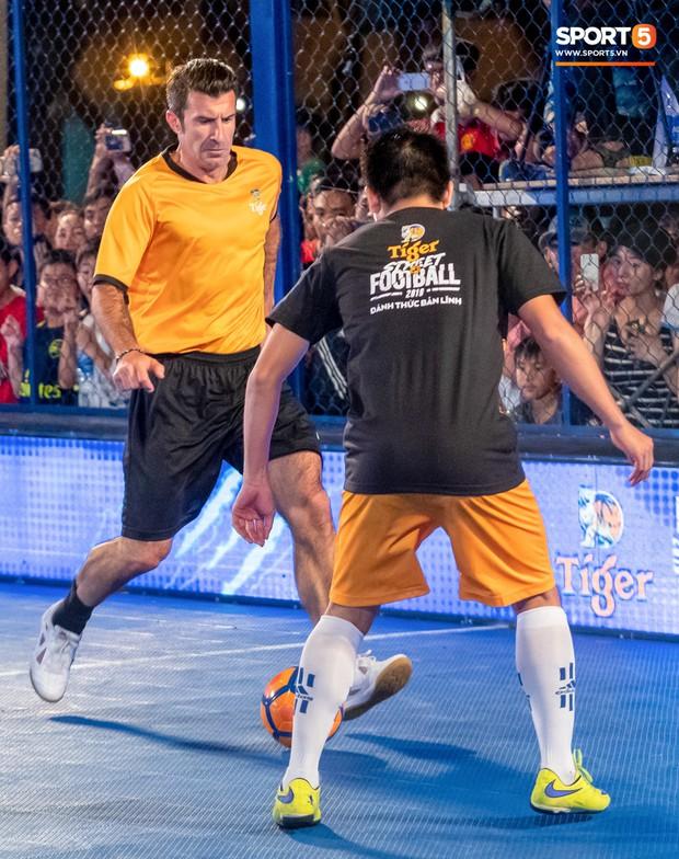 Phát sốt với khoảnh khắc huyền thoại bóng đá thế giới bày trò trêu khiến Lâm Tây cười như được mùa - Ảnh 10.