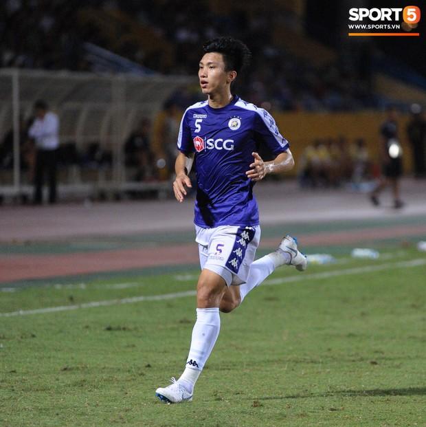 Trước tin đồn đến châu Âu thi đấu, Đoàn Văn Hậu vẫn nỗ lực hết mình vì Hà Nội FC - Ảnh 1.