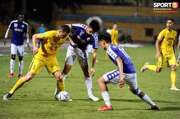 Trước tin đồn đến châu Âu thi đấu, Đoàn Văn Hậu vẫn nỗ lực hết mình vì Hà Nội FC - Ảnh 5.