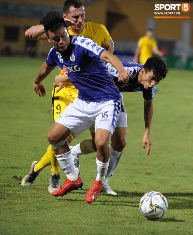 Trước tin đồn đến châu Âu thi đấu, Đoàn Văn Hậu vẫn nỗ lực hết mình vì Hà Nội FC - Ảnh 10.