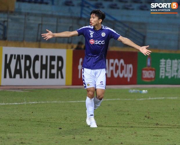 Trước tin đồn đến châu Âu thi đấu, Đoàn Văn Hậu vẫn nỗ lực hết mình vì Hà Nội FC - Ảnh 4.