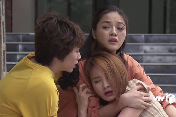 Lạ lùng nhỉ, cơn sốt Thái Lan Chiếc Lá Bay vừa ra mắt lại giống siêu phẩm Về Nhà Đi Con thế này! - Ảnh 15.