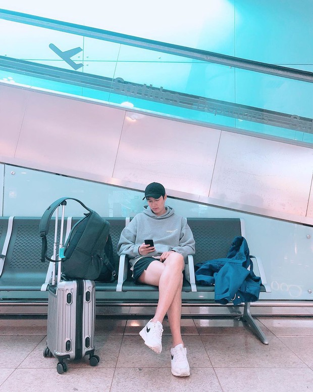 Ở bển nóng quá hay sao mà dạo này Lee Min Ho hay trễ trên và cộc dưới, điệu xinh chúm chím thế này? - Ảnh 2.