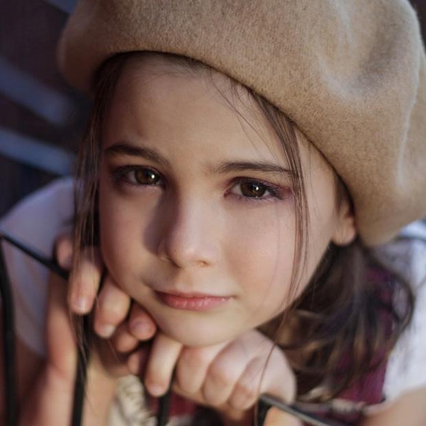 Con gái Iron Man Lexi Rabe đăng clip cầu xin cư dân mạng: Làm ơn đừng phán xét gia đình cháu, tội nghiệp cháu lắm! - Ảnh 3.