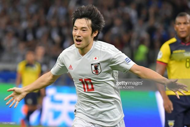 Tuyển thủ Nhật Bản ôm mặt thất vọng, các đại diện châu Á sạch bóng ở tứ kết cúp bóng đá Nam Mỹ - Ảnh 2.