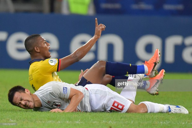 Tuyển thủ Nhật Bản ôm mặt thất vọng, các đại diện châu Á sạch bóng ở tứ kết cúp bóng đá Nam Mỹ - Ảnh 7.