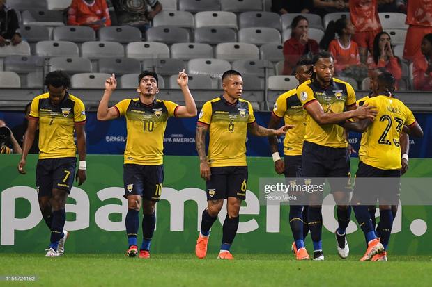 Tuyển thủ Nhật Bản ôm mặt thất vọng, các đại diện châu Á sạch bóng ở tứ kết cúp bóng đá Nam Mỹ - Ảnh 4.