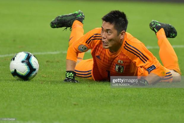 Tuyển thủ Nhật Bản ôm mặt thất vọng, các đại diện châu Á sạch bóng ở tứ kết cúp bóng đá Nam Mỹ - Ảnh 6.