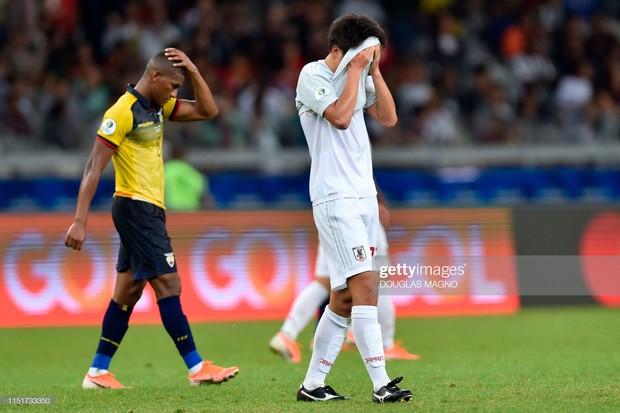Tuyển thủ Nhật Bản ôm mặt thất vọng, các đại diện châu Á sạch bóng ở tứ kết cúp bóng đá Nam Mỹ - Ảnh 8.