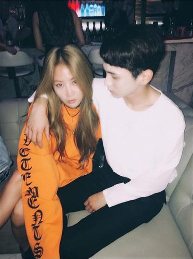 11 hội bạn thân sao Hàn khác giới đình đám: V (BTS) quen minh tinh hơn 17 tuổi, Heechul như thánh thu thập mỹ nhân - Ảnh 10.