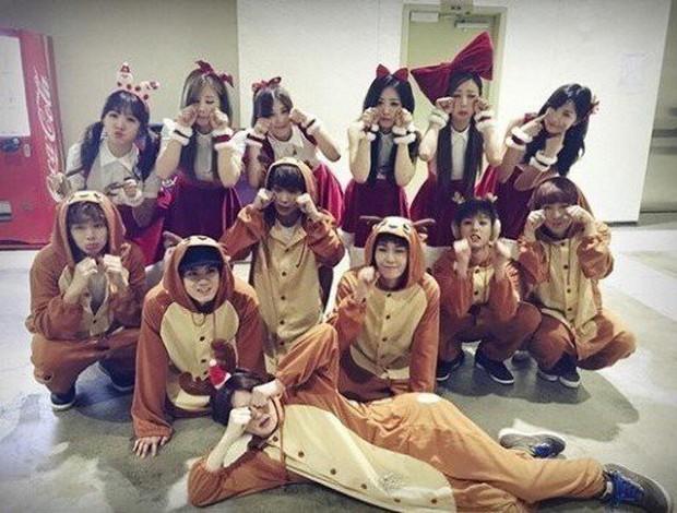 11 hội bạn thân sao Hàn khác giới đình đám: V (BTS) quen minh tinh hơn 17 tuổi, Heechul như thánh thu thập mỹ nhân - Ảnh 17.