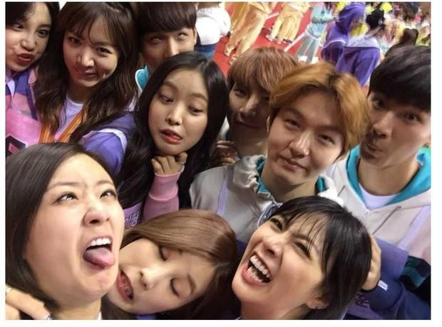 11 hội bạn thân sao Hàn khác giới đình đám: V (BTS) quen minh tinh hơn 17 tuổi, Heechul như thánh thu thập mỹ nhân - Ảnh 16.