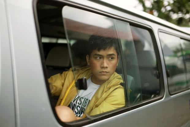 Hoàng thượng của Chipu bất ngờ comeout, cuồng nhiệt hôn trai đẹp trong trailer Thưa Mẹ Con Đi - Ảnh 8.