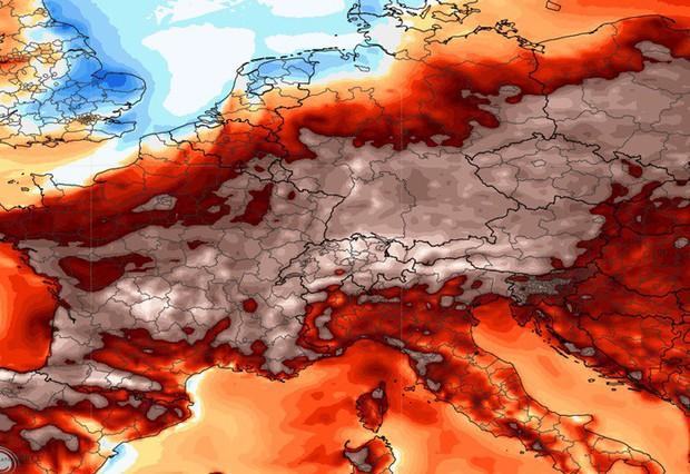 Châu Âu trải qua mùa hè nắng nóng, nhiều người ước về nông thôn - Ảnh 1.