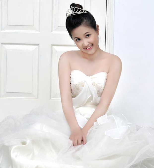 Nhìn lại sự nghiệp của cô Út Gạo Nếp Gạo Tẻ Phương Hằng: Lột xác từ hotgirl, diễn xuất vẫn còn gây tranh cãi - Ảnh 3.