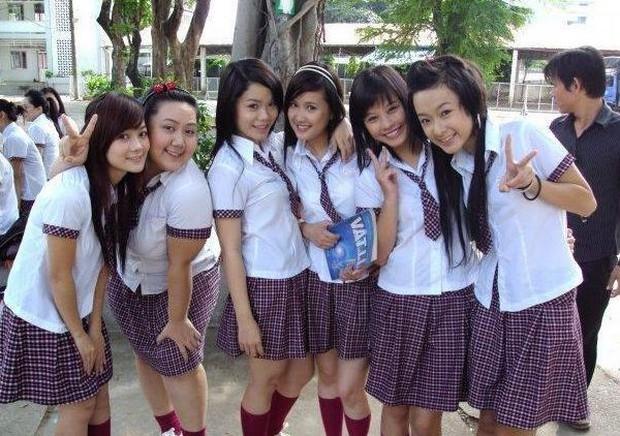 Nhìn lại sự nghiệp của cô Út Gạo Nếp Gạo Tẻ Phương Hằng: Lột xác từ hotgirl, diễn xuất vẫn còn gây tranh cãi - Ảnh 4.