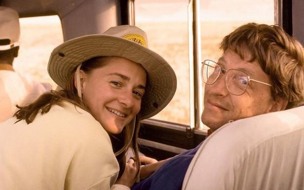 Bill Gates năm 20 tuổi là một vị sếp xấu tính, chuyên soi mói giờ giấc của nhân viên cho đến khi ông hẹn hò với định mệnh đời mình là Melinda Gates - Ảnh 2.