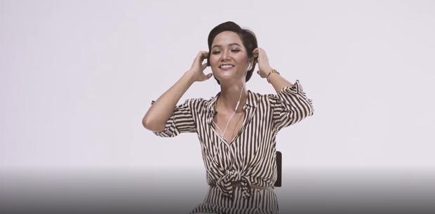 Cùng nghe Hoa hậu HHen Niê hát 1 câu đầu tiên từ Hãy trao cho anh trong clip reaction cực nhắng nhít! - Ảnh 3.
