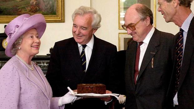 Sở thích của người hoàng gia: có một món bánh mà nữ hoàng Elizabeth không thể… sống thiếu - Ảnh 1.