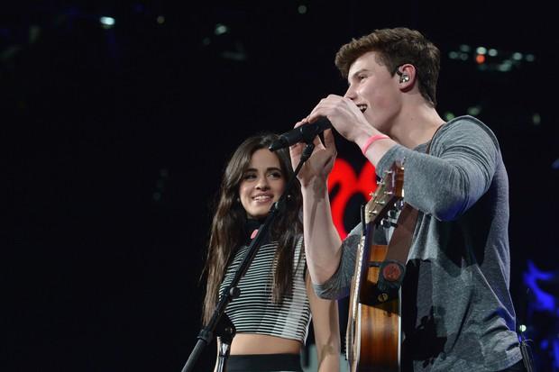 Lý do Shawn Mendes bị gọi hồn khi Camila chia tay: Ánh mắt ngây ngốc dán vào cô bạn từ lâu dù nàng có bạn trai - Ảnh 6.