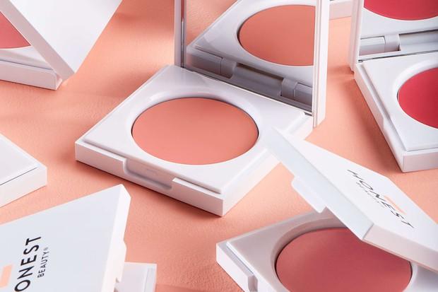 Là tín đồ makeup chân chính, bạn nhất định phải thử 20 món mỹ phẩm đã thu phục hết thảy các beauty editor này - Ảnh 16.