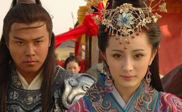 """Dương Mịch: """"Nữ hoàng rating"""" đang thất thế kiêm cô gái vàng trong làng nhận """"chổi""""? - Ảnh 3."""