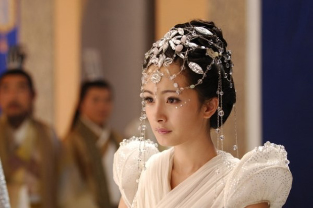 """Dương Mịch: """"Nữ hoàng rating"""" đang thất thế kiêm cô gái vàng trong làng nhận """"chổi""""? - Ảnh 4."""