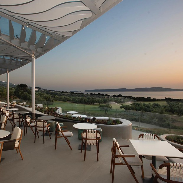 Soi độ sang chảnh của khu nghỉ dưỡng mà Ronaldo chi gần 700 triệu đồng cho nhân viên phục vụ trong chuyến đi Hy Lạp cùng bạn gái - Ảnh 12.