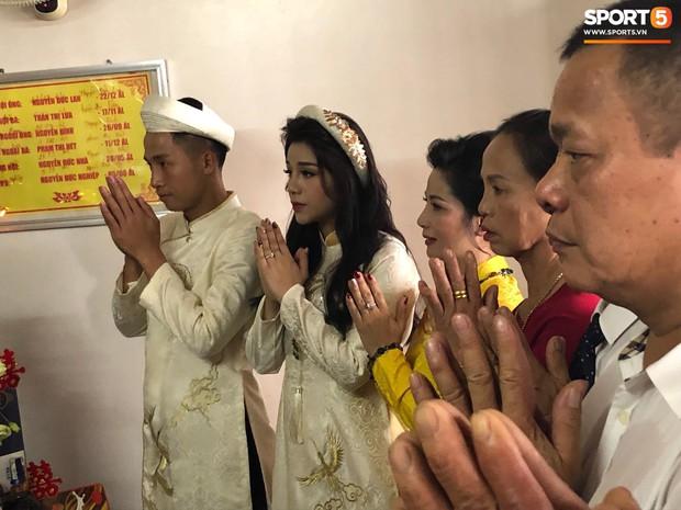 Khánh Linh lộ bụng to trong đám hỏi, dân tình vào chúc mừng Bùi Tiến Dũng được cả vợ lẫn con - Ảnh 6.