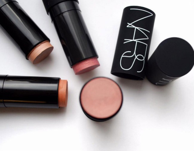 Là tín đồ makeup chân chính, bạn nhất định phải thử 20 món mỹ phẩm đã thu phục hết thảy các beauty editor này - Ảnh 8.