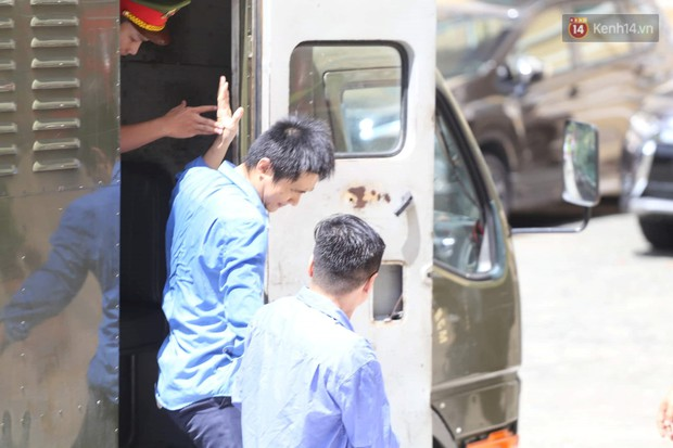 Vợ cũ lĩnh án 18 tháng tù, bác sĩ Chiêm Quốc Thái tuyên bố sẽ kháng cáo - Ảnh 1.
