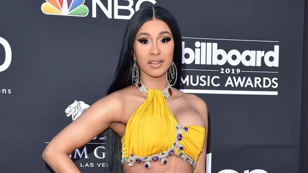 Tìm ra nữ hoàng thị phi sau Kim Kardashian: Đánh nhau với Nicki Minaj, làm gái nhảy, hiếp dâm, dao kéo đến biến dạng - Ảnh 1.
