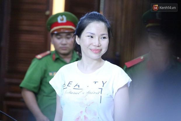 Vợ cũ lĩnh án 18 tháng tù, bác sĩ Chiêm Quốc Thái tuyên bố sẽ kháng cáo - Ảnh 3.