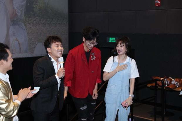 Tuấn Trần thừa nhận crush Salim, Trấn Thành hí hửng dắt vợ đi xem 21 Ngày Yêu Em ủng hộ bồ cũ - Ảnh 6.